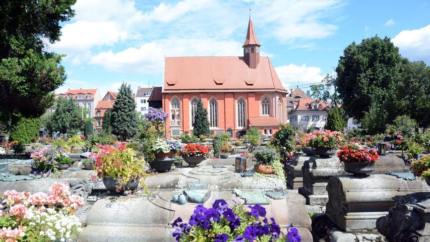 Der St. Johannisfriedhofist seit Jahrhunderten in ununterbrochener Nutzung. Das zeigt nun auch Wirkung bei den Grüften, von denen es auf dem Friedhof immerhin 450 Stück gibt.