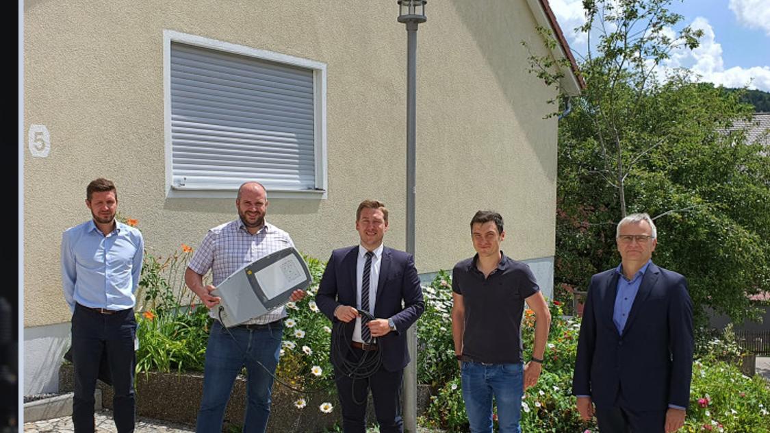 Die Gemeinde Deining setzt auf stromsparende LED bei der Straßenbeleuchtung.