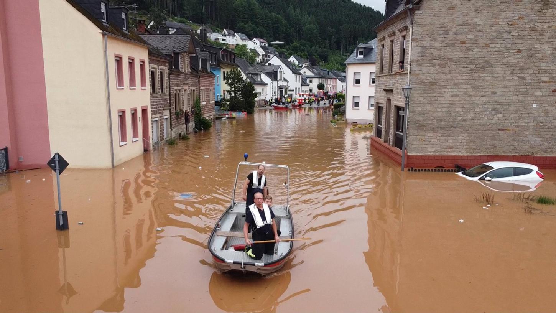 In Kordel Rheinland-Pfalz ist nach unwetterartigen Regenfällen der Ort am Donnerstag 15.7.2021 komplett überflutet. Auch die Versicherungen kommt die Flut teuer zu stehen.
