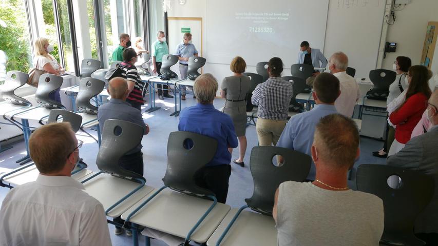 Wie digital die Klassenzimmer inzwischen sind, das konnten sich die Mitglieder des Schul- und Bildungsausschusses in der Hilpoltsteiner Realschule anschauen.