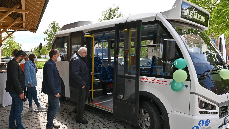 Vor wenigen Wochen wurdeder erste Elektrobus im öffentlichen Personennahverkehr desLandkreises Roth eingeweiht. Auch Forchheim soll solche E-Busse erhalten - schon bald für die Linie zwischen Kersbach und Paradeplatz.