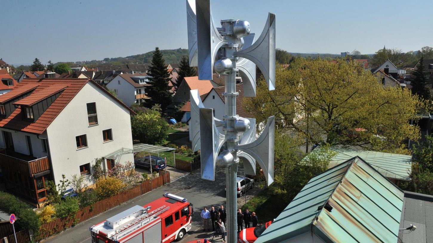 Auch auf dem Dach der Alterlanger Feuerwehr ist eine Sirene installiert worden, die in einem Umkreis von mindestens einen Kilometer zu hören ist.