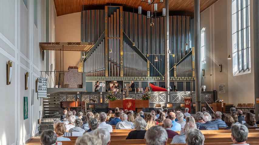 Zur Weihe der neuen Klais-Orgel waren zahlreiche Menschen in die Matthäuskirche gekommen.