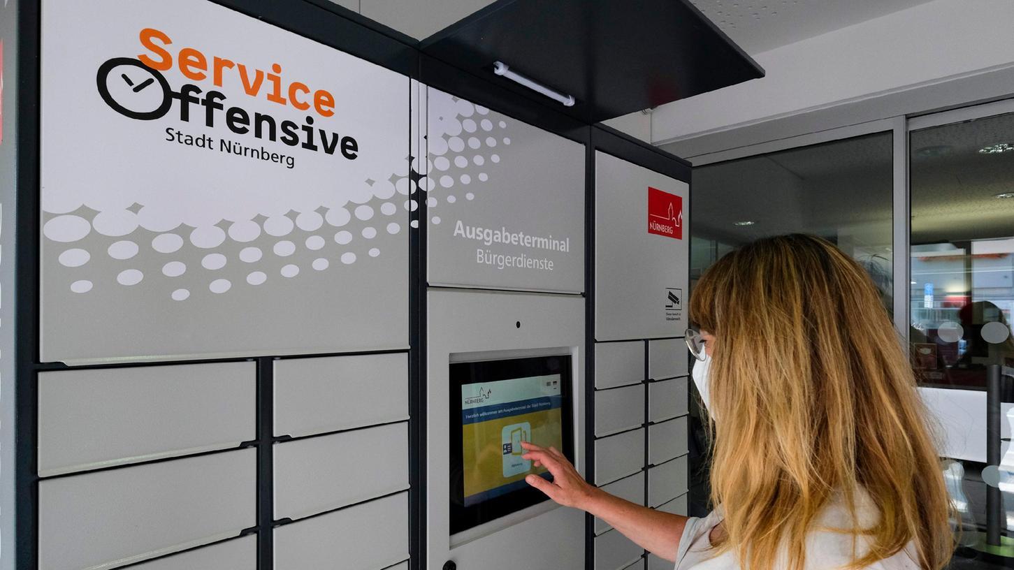In vier ausgewählten Geschäftsstellen der Sparkasse Nürnberg kann man künftig unter anderem Personalausweise und Reisepässe beantragen.