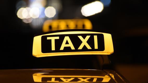 Erlanger Taxifahrer mit Schusswaffe bedroht und ausgeraubt