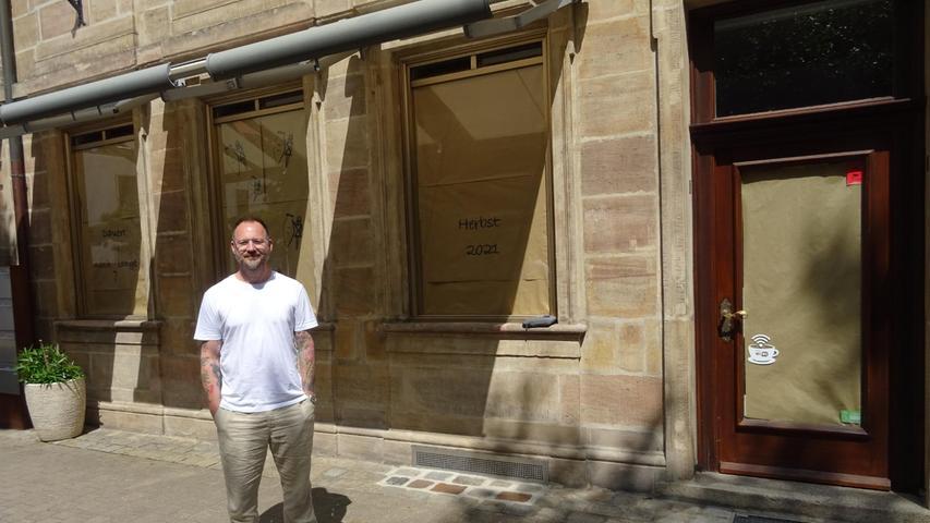 Ins ehemalige Café am Neustädter Kirchenplatz in Erlangen kehrt die Gastronomie zurück