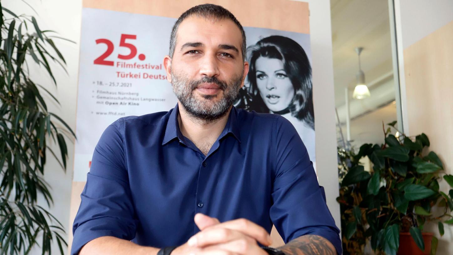 In Erdogans Schusslinie: Regisseur Baris Atay über Kunst und Politik