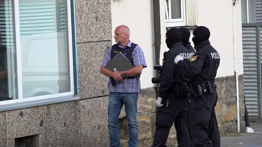 Fünf der sieben Festgenommenen wurden amFreitagdem Ermittlungsrichter vorgeführt.
