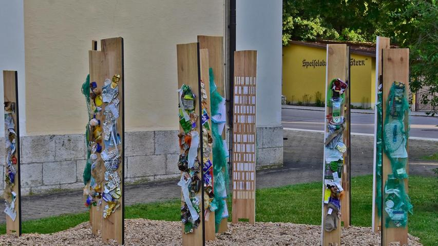 Auch die Installation von Milos Navratil lädt zum Nachdenken ein.
