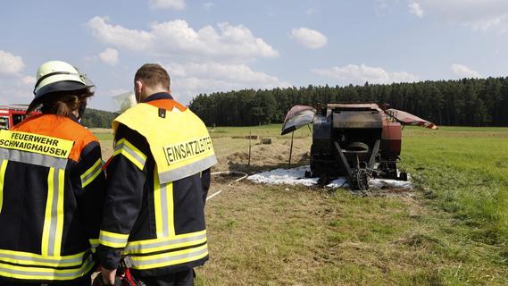 Großhabersdorf: Ballenpresse brannte