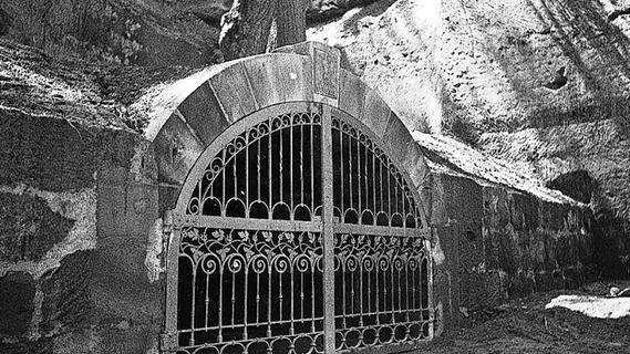 Fotorätsel: Wer kennt das Tor zur Unterwelt?