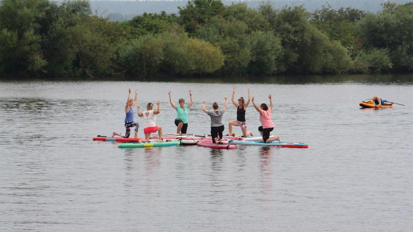 Stand-up-Paddler eroberten den Altmühlsee