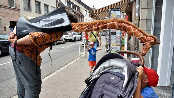 Beim Figurentheater-Festival in Erlangen wird die Straße zur Bühne