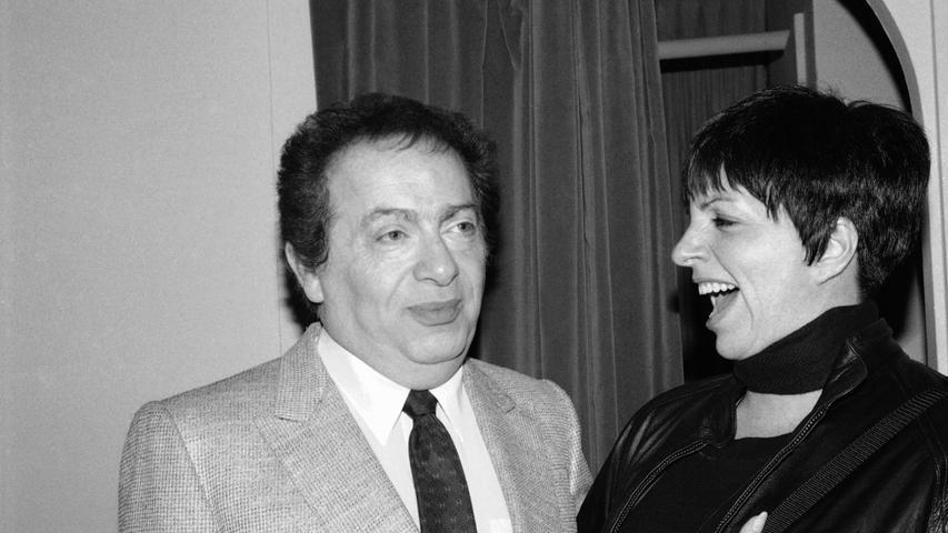 Der amerikanische Komiker Jackie Mason, der auch als Stimmgeber in den USA für die Zeichentrickserie