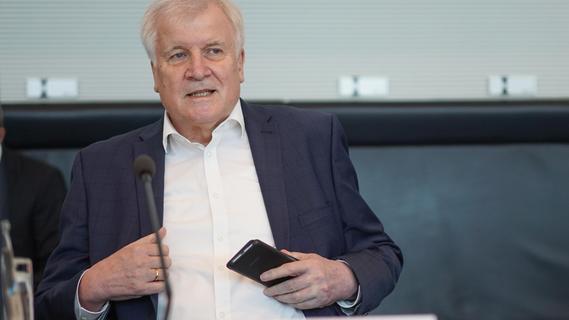 Seehofer: Bund sollte Katastrophenschutz nicht an sich ziehen