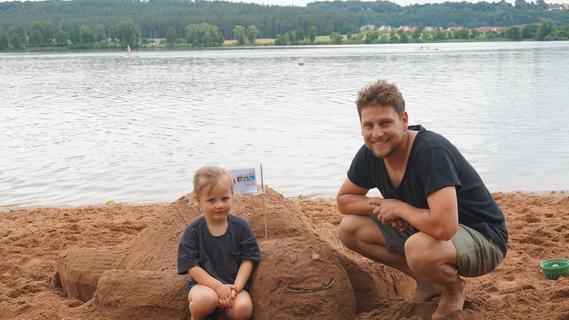 Klassisch und fantasievoll - der Sandburgen-Wettbewerb in Langlau