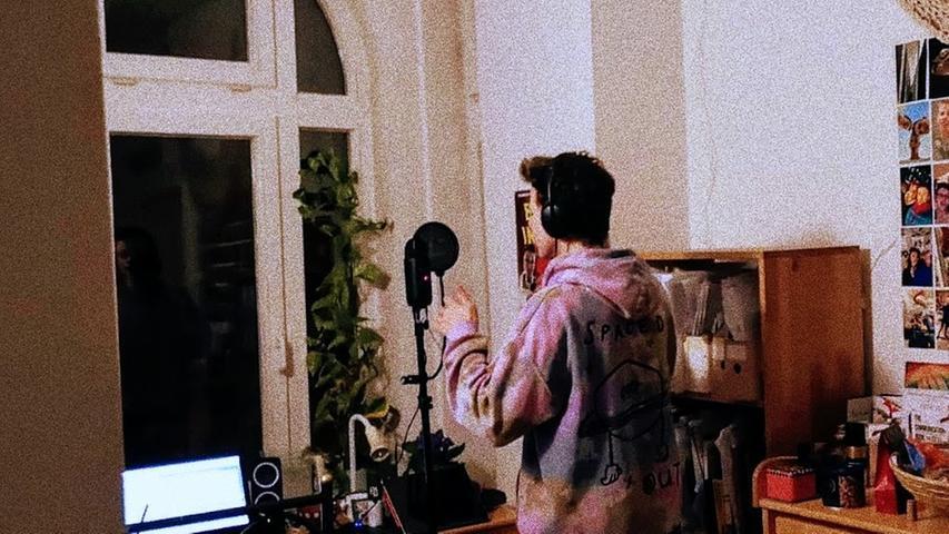 Das Kinderzimmer als Tonstudio: Marlin hat seinen Song selbst eingesungen.