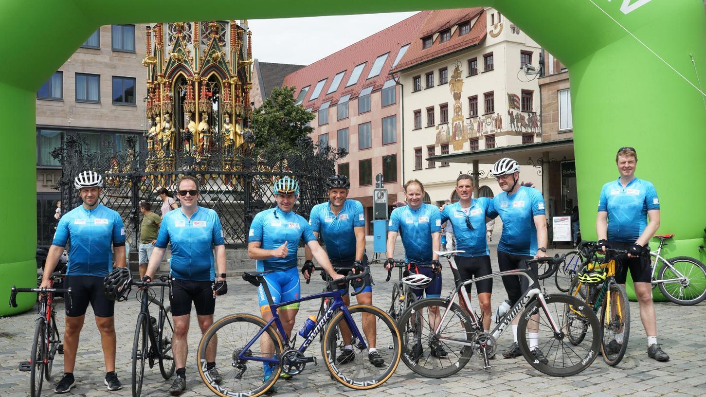Rennrad-Ausfahrt von Erlangen nach Nürnberg mit Oberbürgermeister Marcus König und Florian Janik (2.v.l.).
