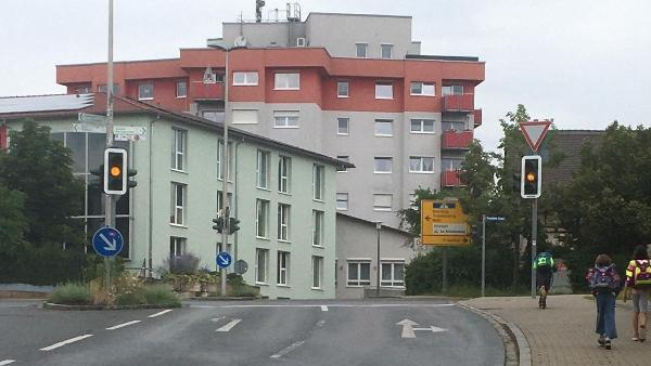 Die Ampel an der Kreuzung Drei-Eichen-Straße/Freystädter Straße und Johann-Friedrich-Straße könnten in absehbarer Zeit abgeschaltet werden.Vorausgesetzt, die Bedarfsampel bewährt sich.