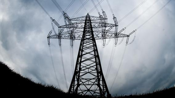 Betriebsunfall sorgt für Stromausfall in Franken - 29-Jähriger in Lebensgefahr