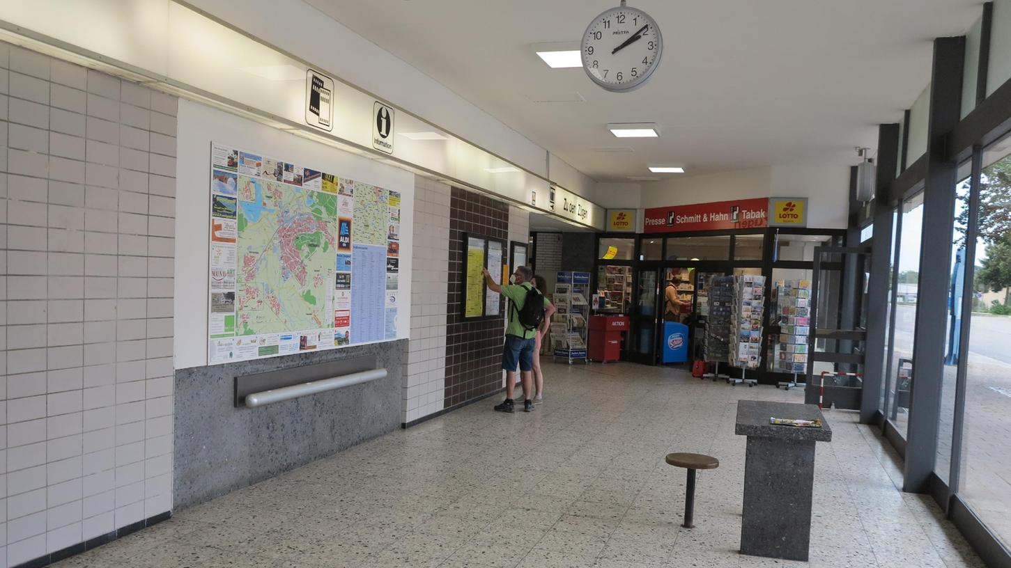 Wolfgang Dressler, Juli 2021 Gunzenhausen Bahnhof CSU Termin mit MdB Artur Auernhammer und Christian Schmidt Bahnhofshalle