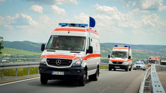 Über Hunderte Kilometer reisen die Helfer aus Bayern nach Rheinland-Pfalz, verbringen allein auf der Autobahn viele Stunden.