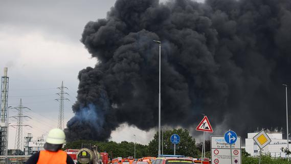 Nach Explosion in Leverkusen: Suche nach Vermissten geht weiter
