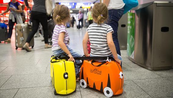 Das müssen Eltern bei der Einreise in wichtige Familienreiseländer beachten