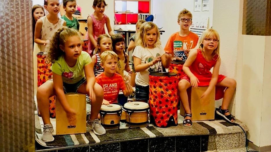 """Die jungen Talente werden beim Abschlussvorspiel ihre Freude am Musizieren sicher schnell auf die Zuhörer am """"Seerosenteich"""" im Bad Windsheimer Kurpark übertragen."""