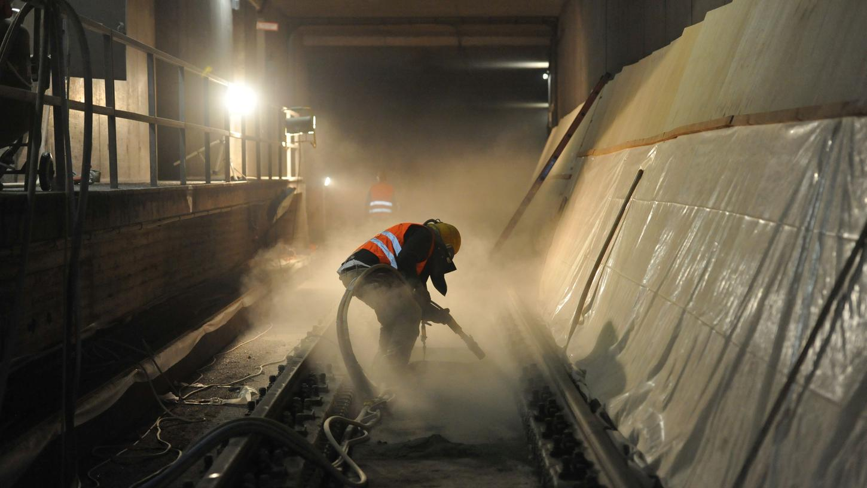 Die Arbeiten an den Längsbalken sind laut VAG nötig, weil die Stabilität sonst nicht gewährleistet werden kann.