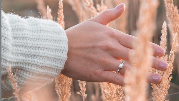 Diesen schönen Ring trägt Viola Matthäus seit letztem Herbst am Finger.