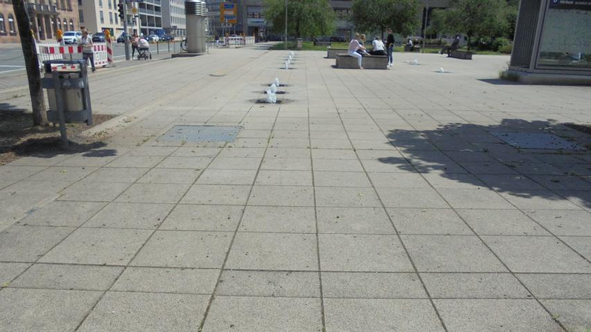 Auch auf dem Willy-Brandt-Platz dominiert das Pflaster.