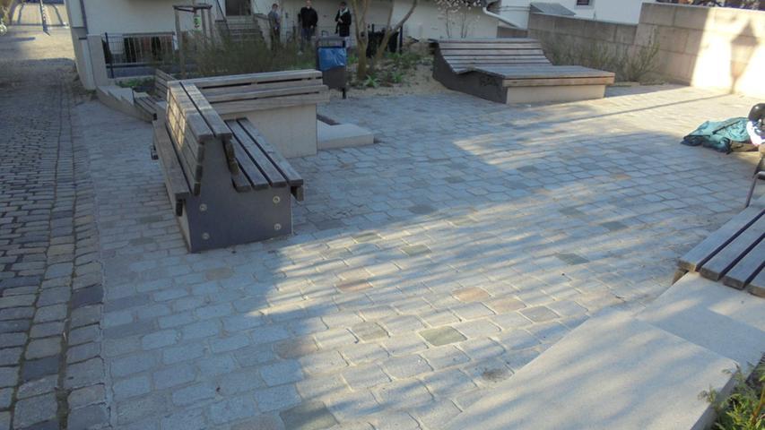 Auch der neue Pocketpark in der Nonnengasse kommt nicht ohne Steine aus.