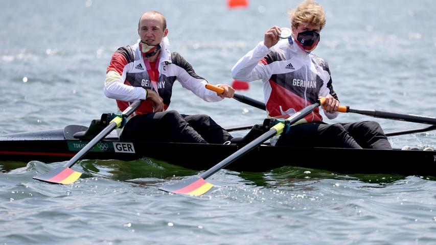 Lediglich die Iren waren ein bisschen besser: Jonathan Rommelmann und Jason Osborne durften sich als erste deutsche Leichtgewichtsruderer über eine olympische Medaille freuen. Das Duo aus Krefeld und Mainz ruderteauf dem Sea Forest Waterway zu Silber.