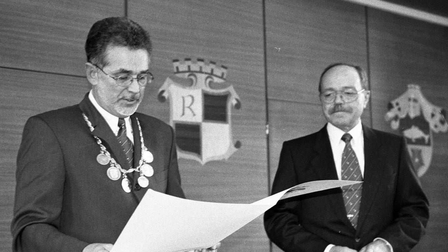 Altbürgermeister Hans Weiß (rechts) ist imJahr 2009 verstorben.
