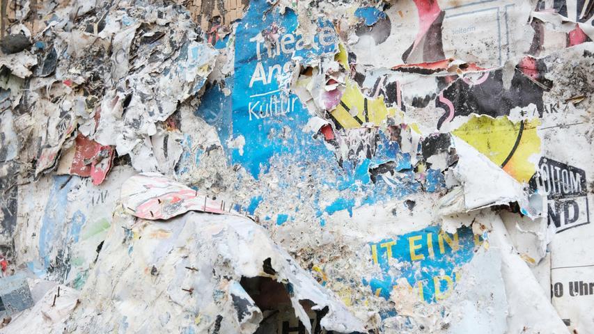 Die Kulturszene musste in den vergangenen Monaten schwer leiden. Die Plakatwand in der Ansbacher Innenstadt versinnbildlicht das mehr als deutlich.