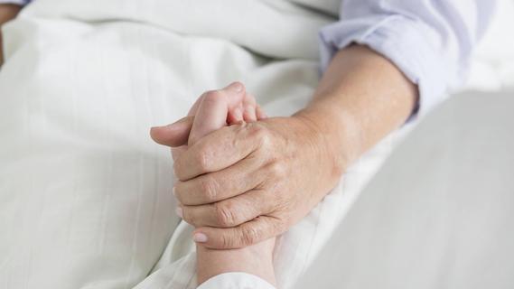 Gemeinsam durch Therapie: Lotsin hilft Krebspatientinnen in Erlanger Uniklinik