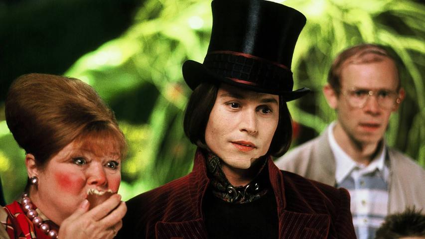 Tim Burtons Literaturverfilmung Charlie und die Schokoladenfabrik aus dem Jahr 2005 erscheint am 24. August bei Prime Video. Die fantastische Geschichte um eine geheimnisvolle Süßwarenfabrik mit Johnny Depp in der Hauptrolle hat keine Altersbeschränkung.