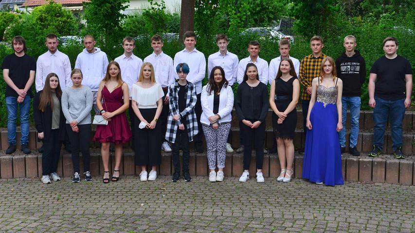 In Neunkirchen hatten die Abschlussbesten der Mittelschule ebenfalls Grund zum Grinsen. Mit ihren Noten nimmt sie jeder Arbeitgeber gern.