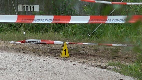 Forchheim: Passantin findet Leiche neben Wanderweg