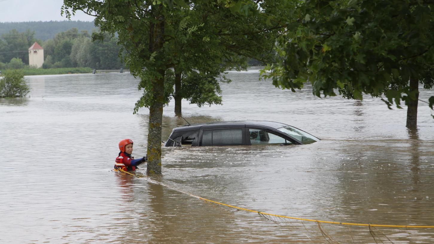 Für viele Menschen in der Region bleibt der Juli in langer Erinnerung: Wegen Dauerregen traten am 8. Juli zahlreiche Flüsse über die Ufer und überschwemmten riesige Gebiete.