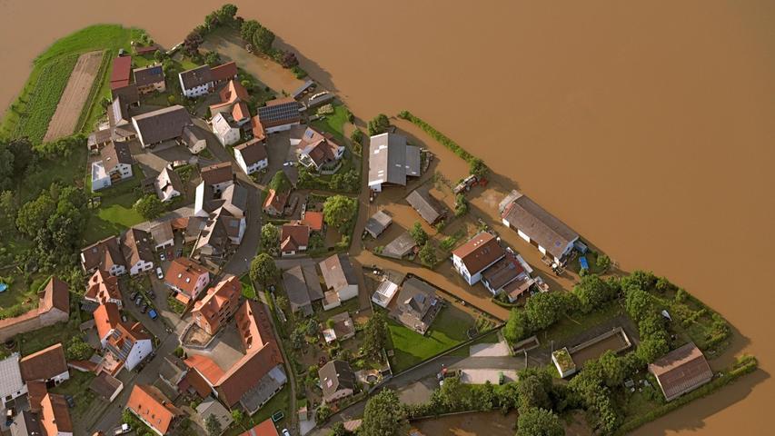 Rund um die Adelsdorfer Wiesenstraße wurden einige landwirtschaftliche Anwesen überflutet.