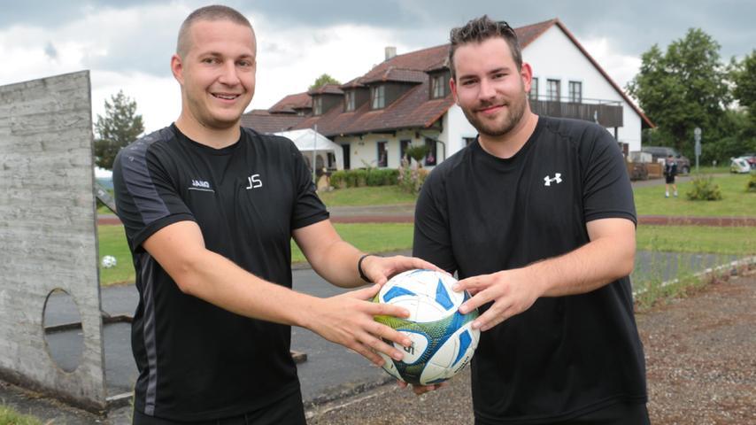 Das neue Trainerduo der SG Langenaltheim/Solnhofen: Mit Jonas Straßner (links) und René Döbler haben zwei Spieler aus den eigenen Reihen übernommen.