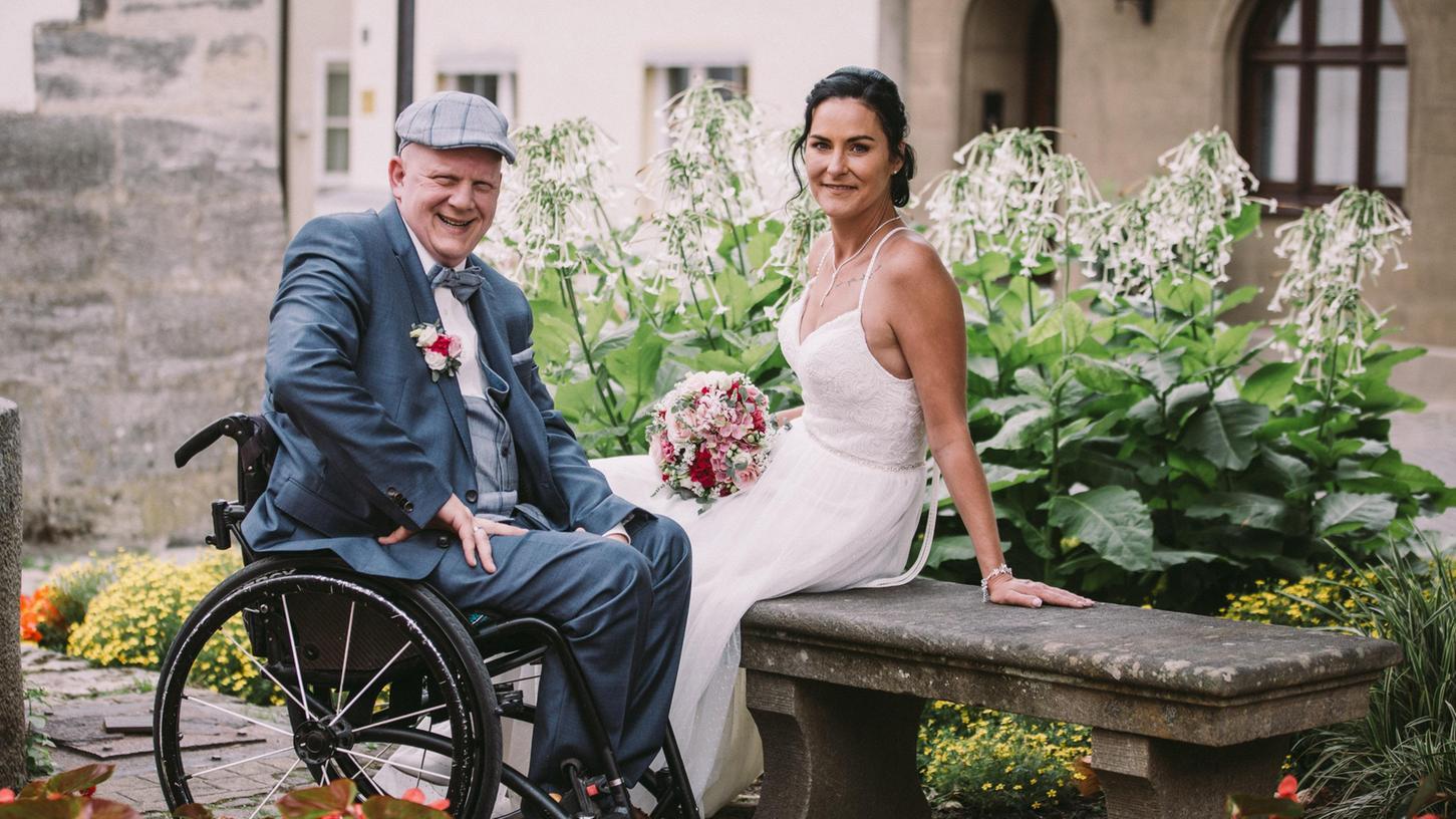 Auf dem Annafest verlobt, nun verheiratet: Forchheimer Traumpaar auf Wolke Sieben