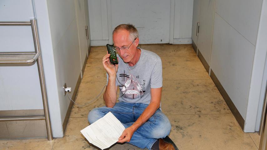 Opa Harald Seelig hatte am Telefon alles versucht, damit es für dieYameogos und seine Frau doch noch klappen würde mit der vierwöchigen Reise nach Afrika.