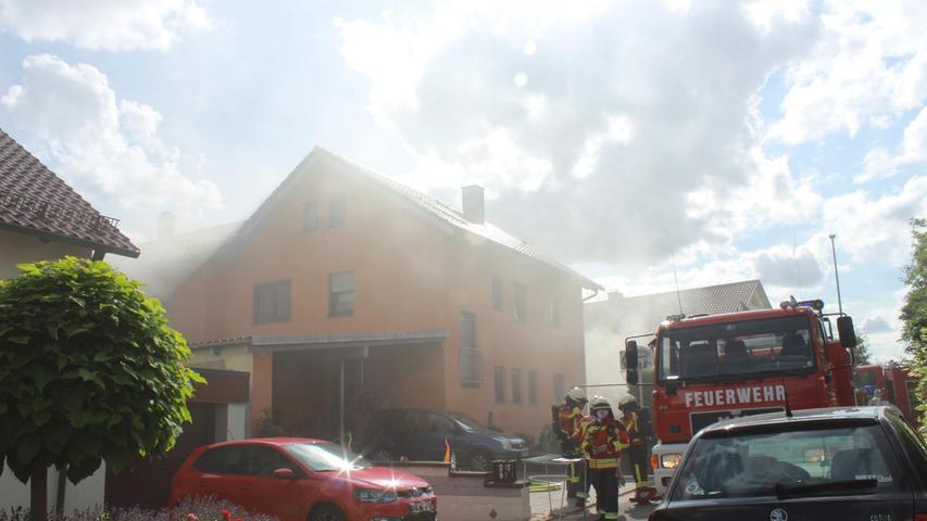 Am Samstagnachmittag geriet der Keller eines Wohnhauses in Hammerbühl in Brand.