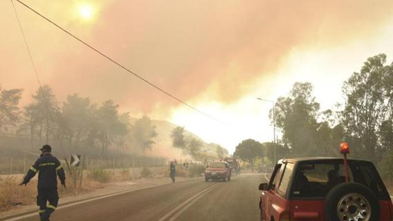 Extreme Hitze und Feuer in Griechenland: Mindestens 16 Verletzte