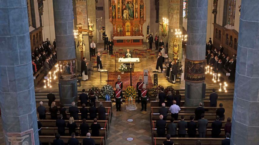 Im Münster St. Johannes verabschiedeten sich zahlreiche Weggefährten vom Neumarkter Kommunalpolitiker.