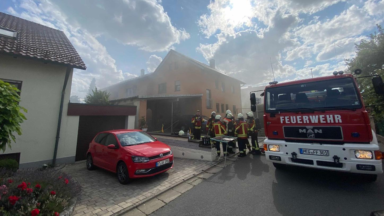 Das Wohnhaus im Pegnitzer OrtsteilHammerbühl ist nach dem Kellerbrand derzeit unbewohnbar.