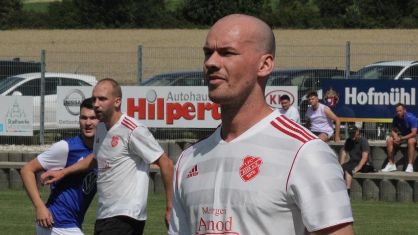 Dreifacher Torschütze: Jakob Hinderer, Spielertrainer des FC Aha.